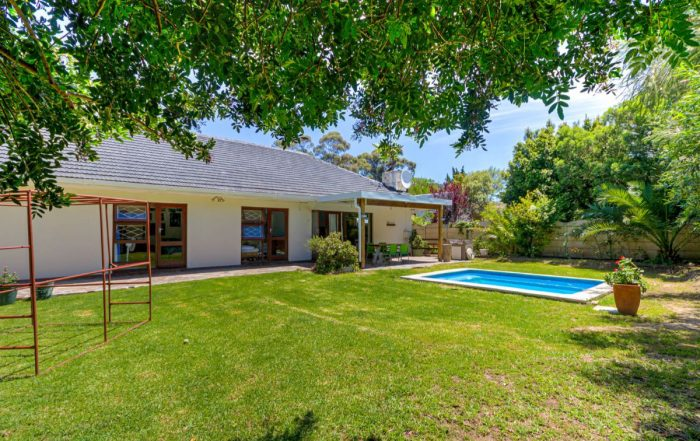 16 Picardy Avenue, Morningside, Somerset West