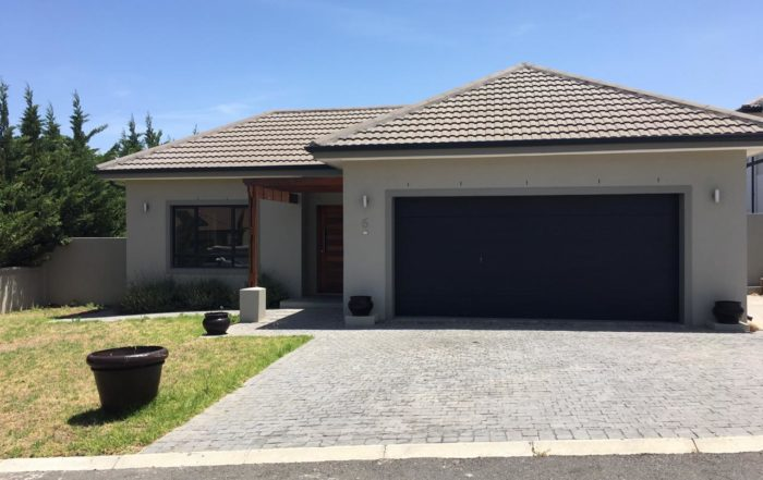 6 Jacana Close, Hagenland Estate, Somerset West