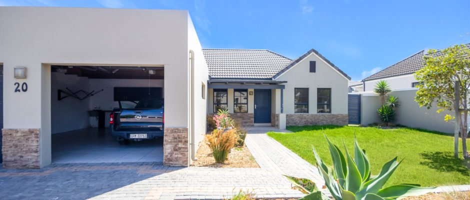 20 Queens Drive, Somerset Country Estate, Heritage Park, Somerset West