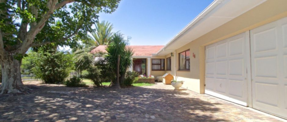 34 Drommedaris, Land en Zeezicht, Somerset West