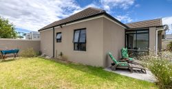 25 Queens Drive, Somerset Country Estate, Heritage Park, Somerset West