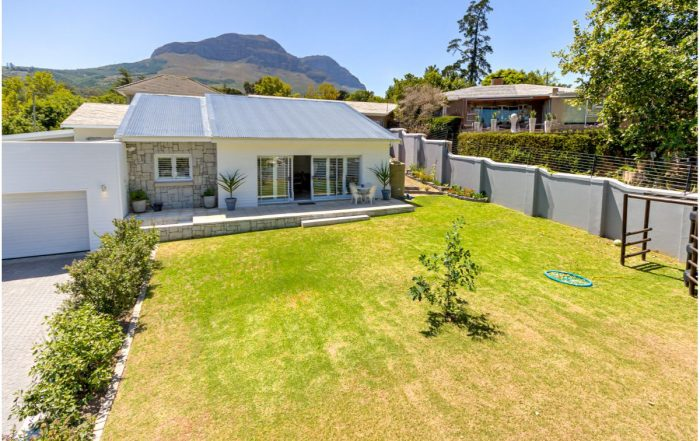 2 Watersmeet Road, Parel Vallei, Somerset West