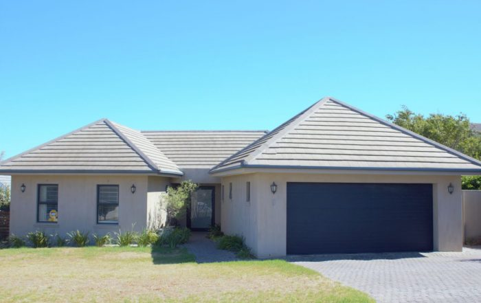 9 Fish Eagle Close, Hagenland Estate, Somerset West